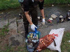 きれいな川だけど、一人でもこんなにゴミが….とても大変でした